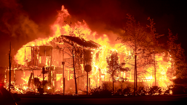The Valley fire torches an apartment complex in the early morning hours of Sept. 13, 2015 in Midletown. (Kent Porter / Press Democrat) 2015.